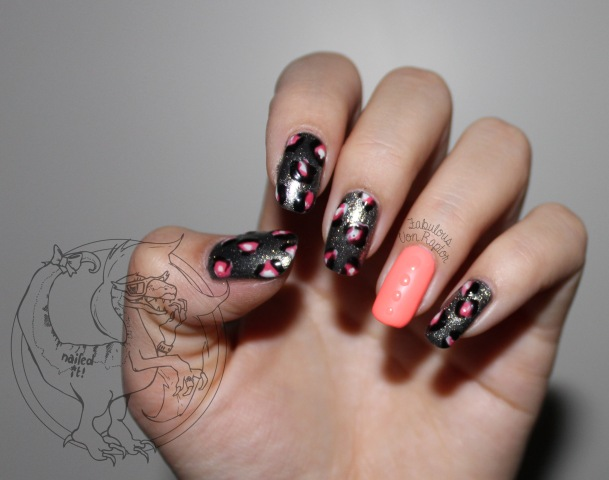 Leopard Claws - Fabulous Von Raptor Manicure (with flash)