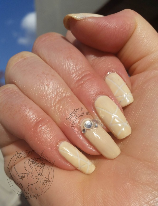 Fabulous Von Raptor - Bridal Geo Nude