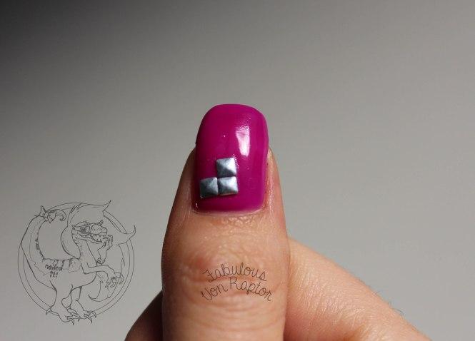 Fabulous Von Raptor - So Rhinestone I'm Pinking