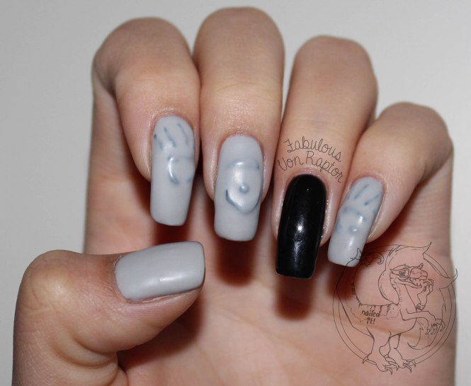 Fabulous Von Raptor - Spooky Ghost Manicure